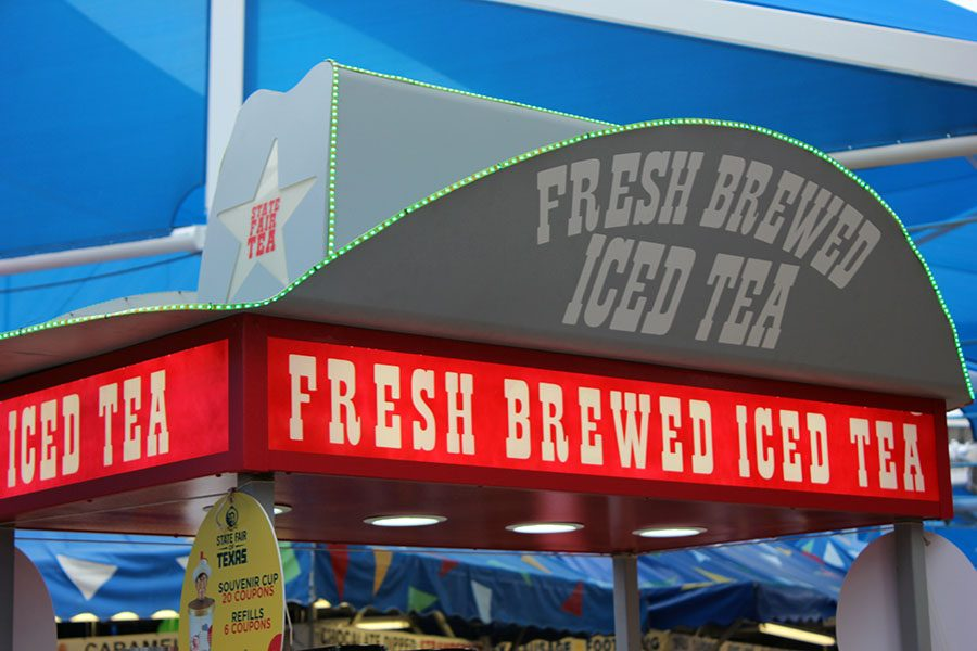 Fresh brewed tea is sold to quench thirst.