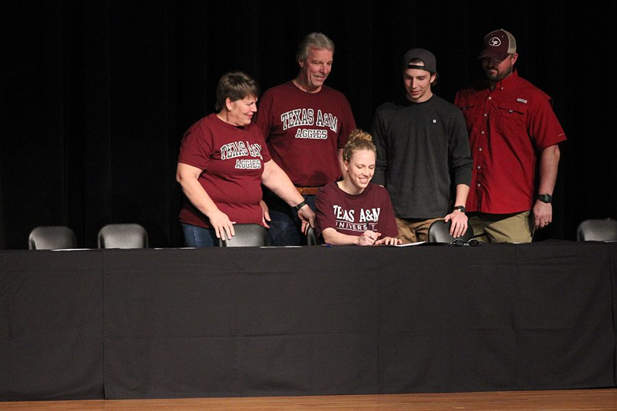 Kara Eisenmann commits to Texas A&M University for swim with her family by her side.