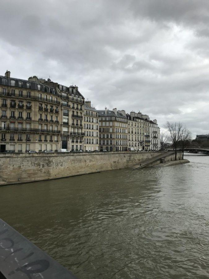 houses on the river side