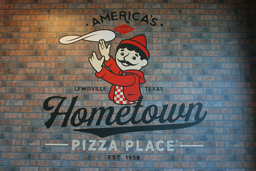 Pizza Inns logo is displayed when coming into the buffet.