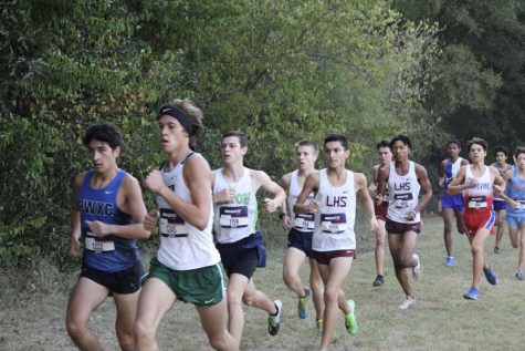 Senior Jeremiah Hudson runs a 5K at the MileSplit TX cross country invitational meet on Saturday, Sept. 14. Courtesy of Austin Hohl.